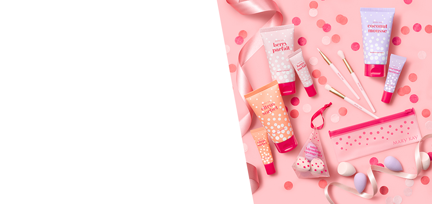 All gifts included in the Mary Kay Darling Delights gift collection styled with gifting accessories
