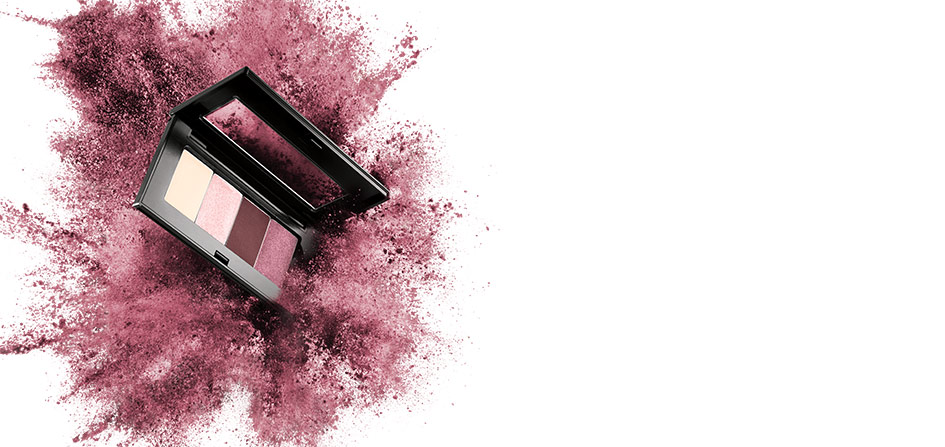 Blend and build your way to new looks with the new Mary Kay Chromafusion Eye Shadow.